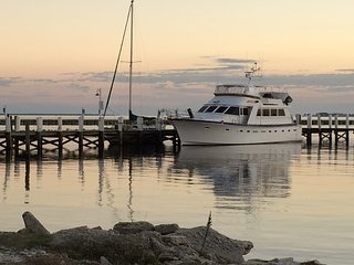 Bright Brunswick vacation Yacht with Internet Access - Brunswick vacation rentals