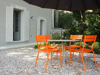 Amazing T2 with a Private Garden in Aix en Pce - Meyreuil vacation rentals