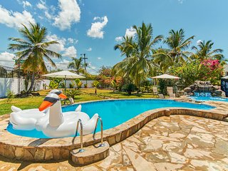 Beach Villa with private pool and jacuzzi - Boca Chica vacation rentals