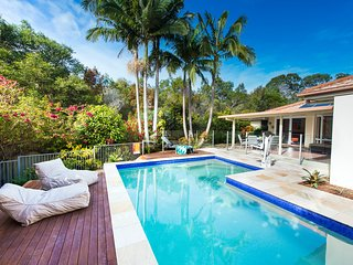 Sunshine Coast luxury 4 bed for only $395/night! - Tewantin vacation rentals