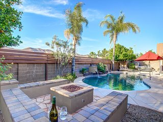 AMAZING LOCATION- POOL/HOT TUB/FIRE/LAWN BOWL - Scottsdale vacation rentals