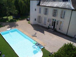 Château de Seurre : B&B Les Tourelles de KA - Seurre vacation rentals