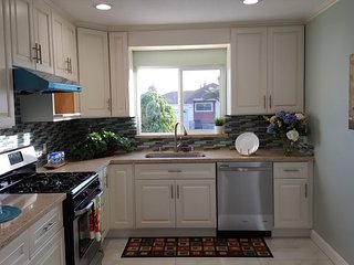 Furnished 4-Bedroom Home at Williams St San Leandro - San Leandro vacation rentals