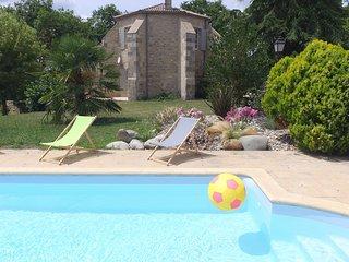 Le Castang: Maison de charme 13ème siècle - Casteljaloux vacation rentals