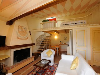 Cozy 2 bedroom Apartment in Scheggino with Washing Machine - Scheggino vacation rentals