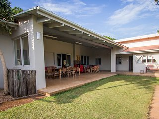 Spacious 5 bedroom Mtunzini Lodge with Internet Access - Mtunzini vacation rentals