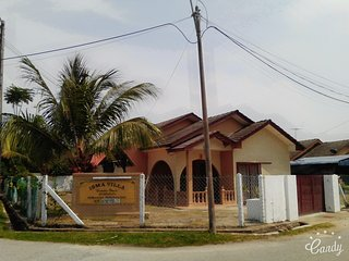 Isma Villa Homestay Kemaman  (Monica Bay Seaview) - Chukai vacation rentals