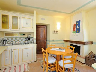 Bright 2 bedroom Scheggino Apartment with Housekeeping Included - Scheggino vacation rentals