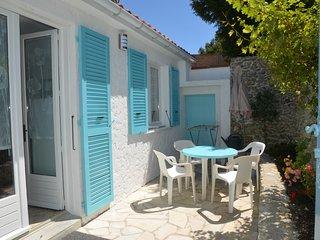 Maisonnette avec cour Monmusson - Saint-Trojan les Bains vacation rentals