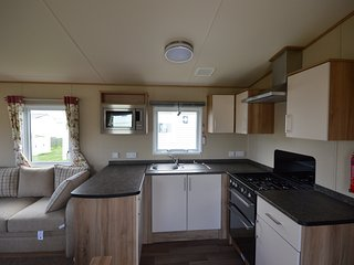 Luxury Holiday Caravan, Blue Anchor Bay, Minehead - Blue Anchor vacation rentals