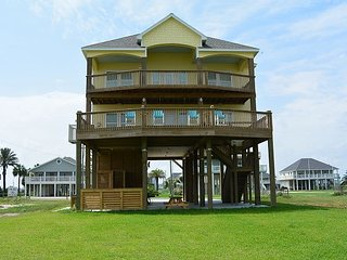 Southern Belle - Big and Beautiful!  4 Bedroom Beachfront, all the extras! - Crystal Beach vacation rentals