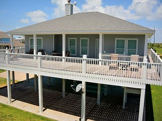 Busbee House - 3rd row, Gulf Views, priced to rent! - Crystal Beach vacation rentals