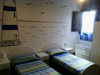 HABITACION TRIPLE  IN PISO COMPARTIDO - Las Palmas de Gran Canaria vacation rentals