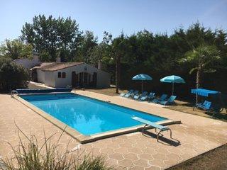 """marais poitevin maison """"au bord de l'eau"""" - Le Gue-de-Velluire vacation rentals"""