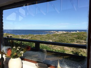 Thallassa - a cottage by the sea - Betty's Bay vacation rentals