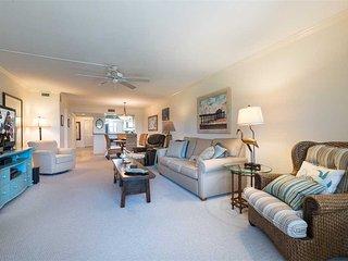 Gulf and Bay Club 305C, 2 Bedrooms, 3 pools, Gym, Spa, WiFi, Sleeps 6 - Siesta Key vacation rentals