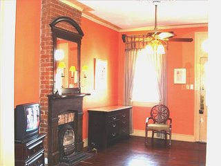 Nice Condo with A/C and Television - New Orleans vacation rentals