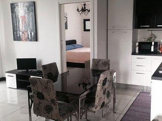 BILOCALE in VILLA vicino a metro per MILANO - Brugherio vacation rentals