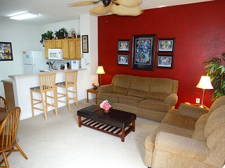 Windsor Hills South Facing Pool Private End Unit Disney Decorated Townhouse! ~ RA86556 - Kissimmee vacation rentals