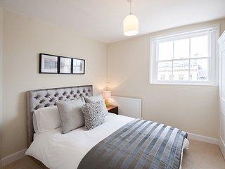 ServicedLets 200 High Street - Cheltenham vacation rentals