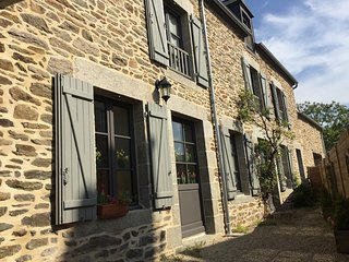 Lodging in typical renovated farmhouse - Cotes-d'Armor vacation rentals