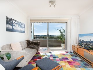 Sleek & Scenic Views Bright Airy w/Free Parking - Cammeray vacation rentals
