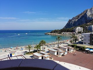 15B Beachfront apartment with pool and sea views - Calpe vacation rentals