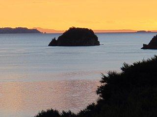 Sea views, walk to secluded  beach, kayak, fishing - Coromandel vacation rentals