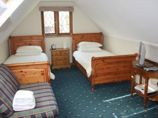 Alnwick Lodge rm 3 - twin bedroom - Cowley vacation rentals