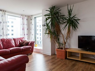 FABBY 2 BED WITH WIFI AND PARKING 5.12 - Edinburgh vacation rentals