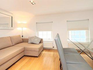 Paula Apartment (CG12) - London vacation rentals