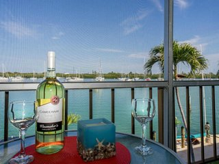 Best waterfront view in Marathon, pool, golf, dock - Marathon vacation rentals