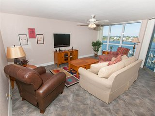2 bedroom Apartment with Balcony in Ono Island - Ono Island vacation rentals