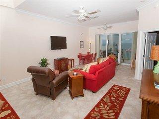 Cozy 3 bedroom Ono Island Apartment with Balcony - Ono Island vacation rentals