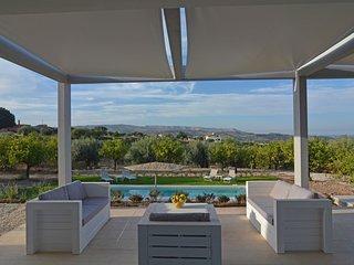 Villa Luxury Mennula-Con Piscina Vista Mare e Noto - Noto vacation rentals
