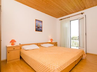 Apartments Sutvid-One Bedroom Apartment - Drace vacation rentals