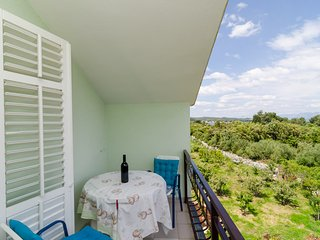 Apartments Sutvid-Comfort One Bedroom Apartment - Drace vacation rentals