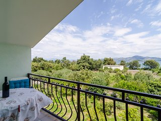 Apartments Sutvid- Comfort One Bedroom Apartment with Loggia and Sea View - Drace vacation rentals