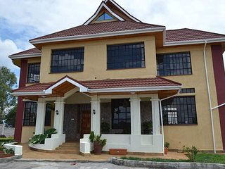 Spacious 7 bedroom Vacation Rental in Nakuru - Nakuru vacation rentals