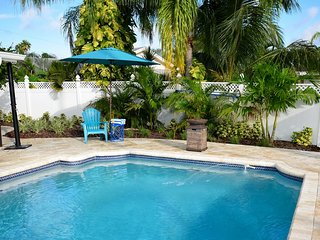 Unwind and relax: pool, dock, kayaks and more! - Saint Petersburg vacation rentals