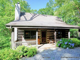 Cozy Guest Favorite Cabin*HotTub*PoolTable*Fireplc - Seven Devils vacation rentals