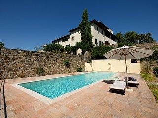 Due Strade / Villa con piscina - Florence vacation rentals