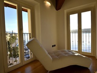 Bright House in Salò with Television, sleeps 5 - Salò vacation rentals