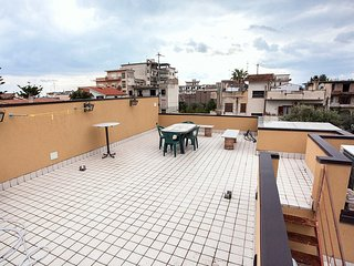 Cozy 2 bedroom Locri House with Deck - Locri vacation rentals