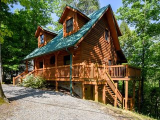 Cozy 2 bedroom Townsend House with Deck - Townsend vacation rentals