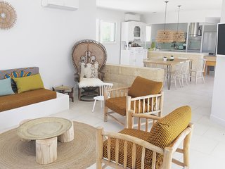 Villa avec piscine intérieure pour 2 à 13 pers. - Castillon-du-Gard vacation rentals
