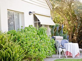 Sunny 2 bedroom Cottage in Red Hill - Red Hill vacation rentals