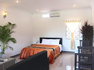 Central Siem Reap, Cozy New Studio - Siem Reap vacation rentals