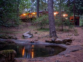 The Cabin- A 10 Minute Walk To The Smith River. - Gasquet vacation rentals