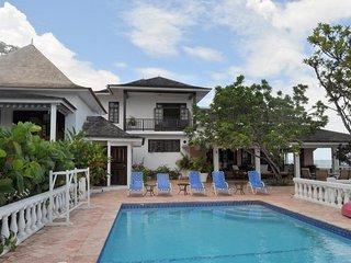 Charming Villa with Patio and Television - Ocho Rios vacation rentals